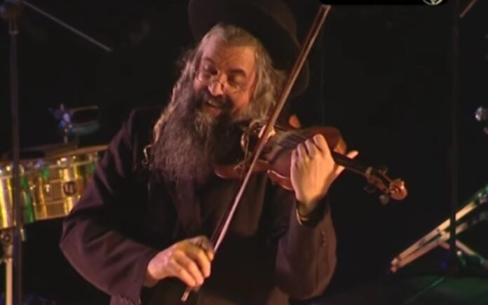 El violinista en el tejado - Daniel Ahaviel