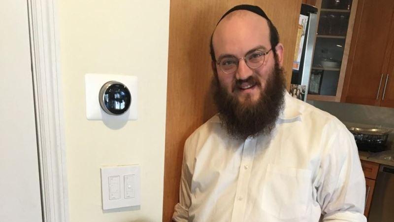 El rabino ortodoxo que en casa utiliza la tecnología para el Shabat