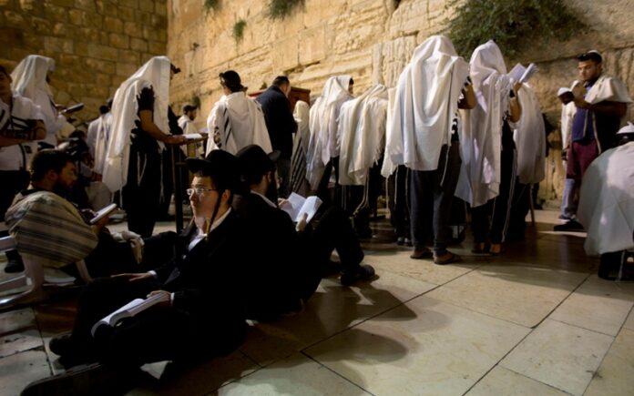Los desafío de la nueva generación de ultraortodoxos israelíes