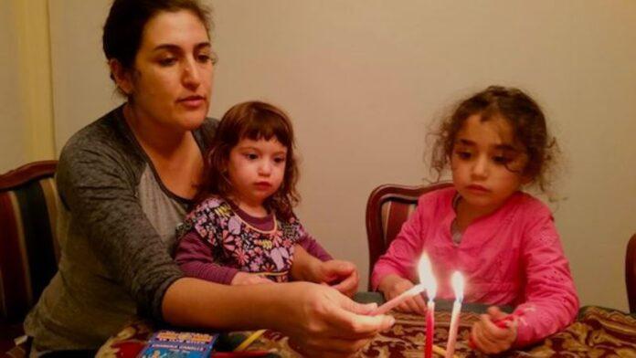 De Israel a América: La inspiración sefardí para Janucá