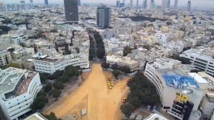 Una vista panorámica de la nueva plaza Dizengoff