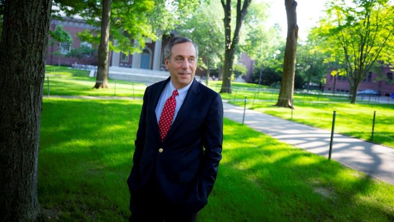 El presidente judío de Harvard quiere restaurar la fe en la educación superior