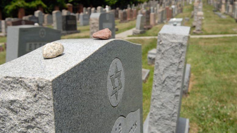 piedras en las tumbas