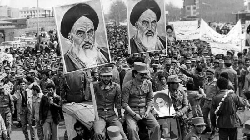 La revolución iraní fue hace 40 años. Los judíos persas en Los Ángeles todavía están sintiendo el dolor