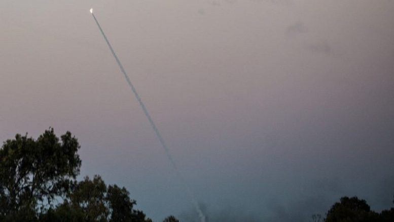 Hamas lanza dos cohetes