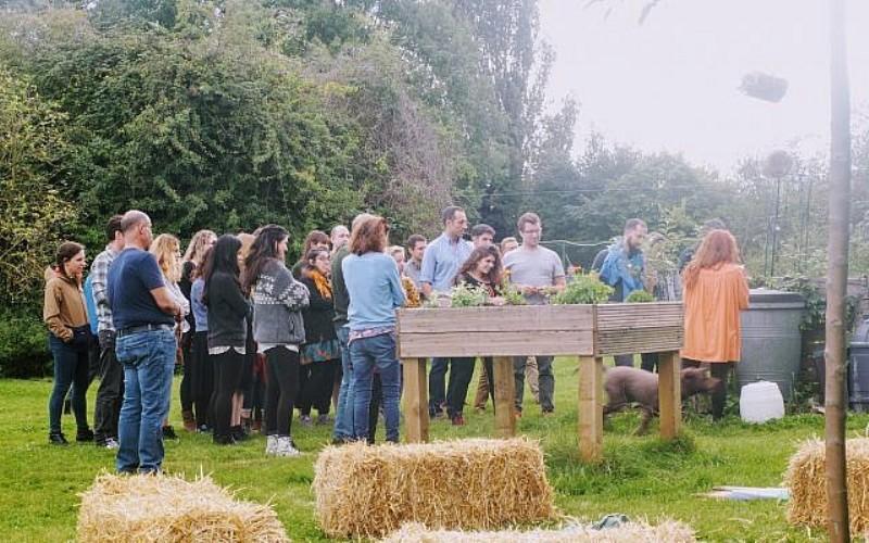 Granja judía planta un jardín del Edén en el sur de Inglaterra