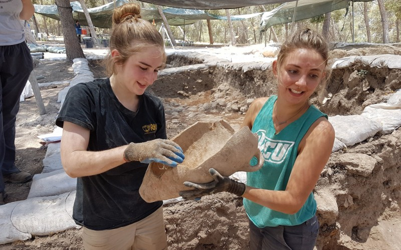 arqueólogos