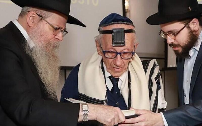 Sobreviviente del Holocausto nacido en Brasil tiene bar mitzvá a los 91 años