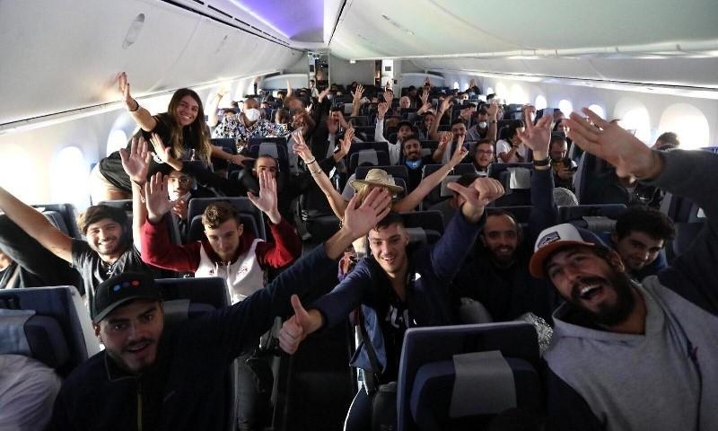 330 israelíes huyen de Milán en 'vuelo de rescate' en medio de un devastador brote del virus