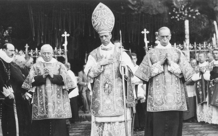 Los investigadores dicen que los archivos del Vaticano muestran que el papa Pío XII sabía del asesinato de judíos en la Segunda Guerra Mundial