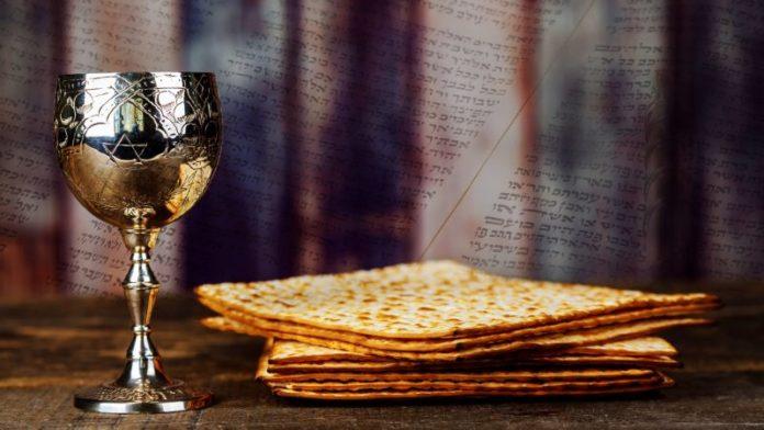 Los judíos han tenido muchos tiempos oscuros. La Hagadá de Pésaj siempre ha sido una fuente de luz