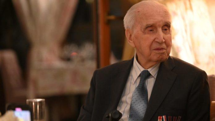 Una historia de amor que lo hizo arriesgarlo todo el salvador de judíos más antiguo de Polonia revela una historia épica de la Segunda Guerra Mundial