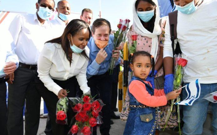 119 inmigrantes de Etiopía llegan a Israel
