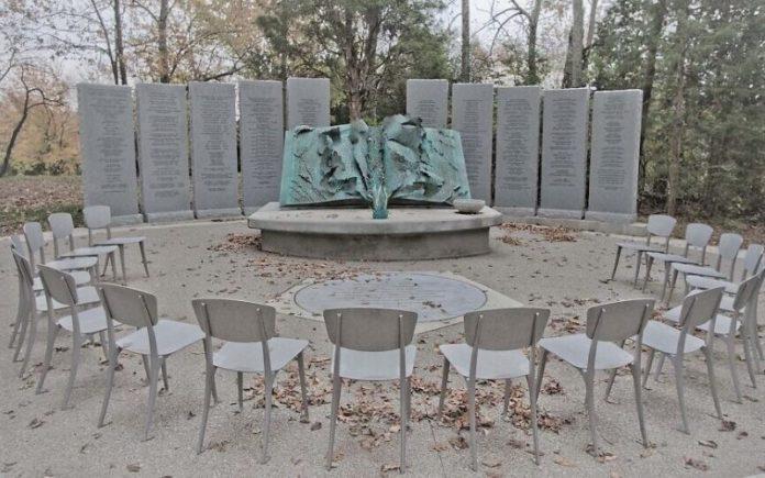 El Memorial del Holocausto de Nashville es destrozado con mensajes antisemitas