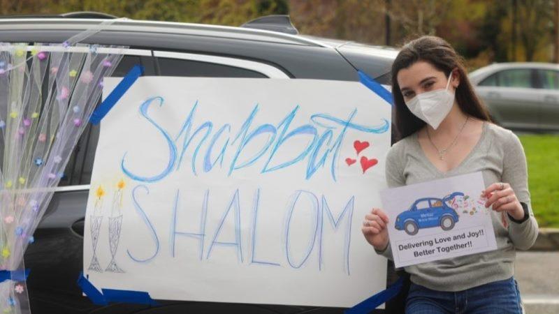 En medio de una pandemia, estos jóvenes judíos y sus amigos mayores están encontrando nuevas formas de conectarse