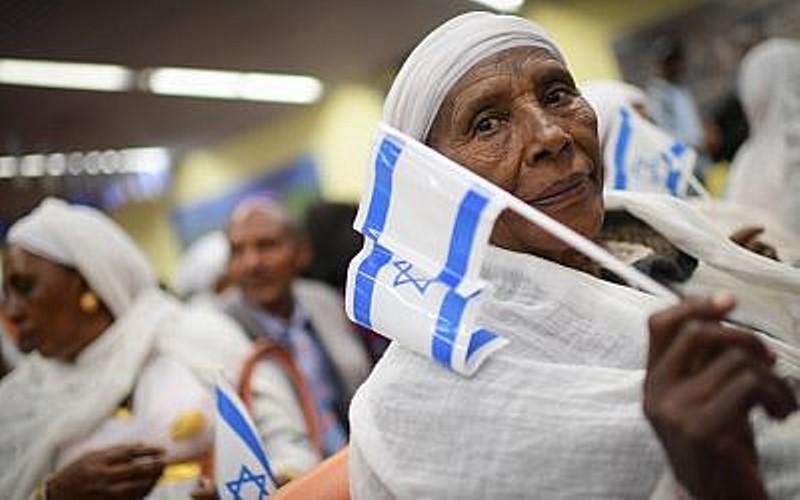 Netanyahu le dice al primer ministro etíope que planea transportar por aire a 2.000 judíos etíopes a Israel