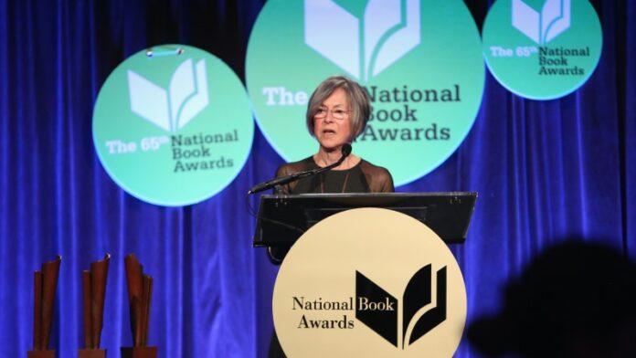 La poeta judía Louise Gluck gana el Premio Nobel de Literatura