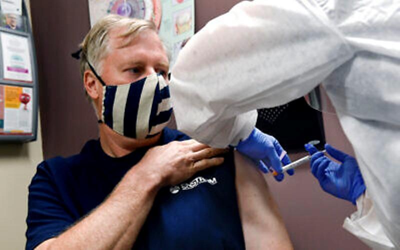 El principal funcionario médico de Moderna dice que Israel será uno de los primeros en recibir la vacuna