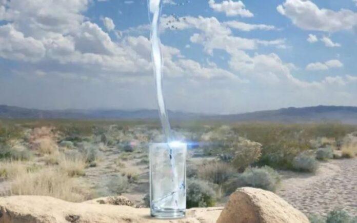 Empresa de tecnología israelí que fabrica agua de la nada firma un acuerdo en los Emiratos Árabes Unidos