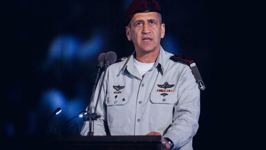 Un submarino israelí cruza el Canal de Suez en un 'mensaje' a Irán