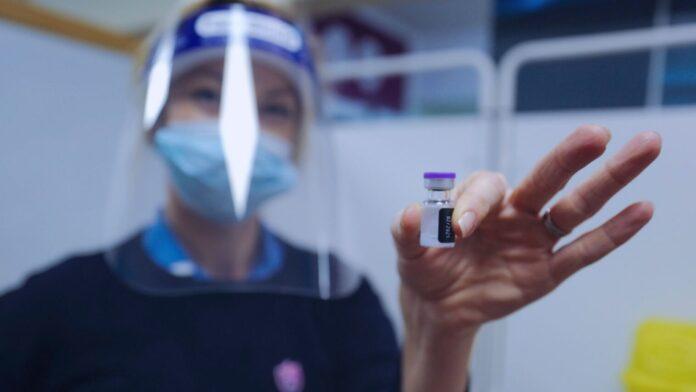 ¿Qué bendición debería decir cuando reciba la vacuna COVID-19? Les pedimos a los rabinos que nos guiaran