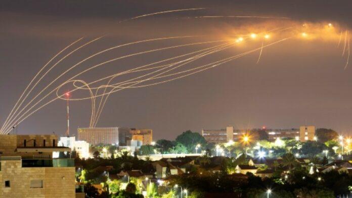Las FDI atacan objetivos de Hamas después del lanzamiento de cohetes contra Israel