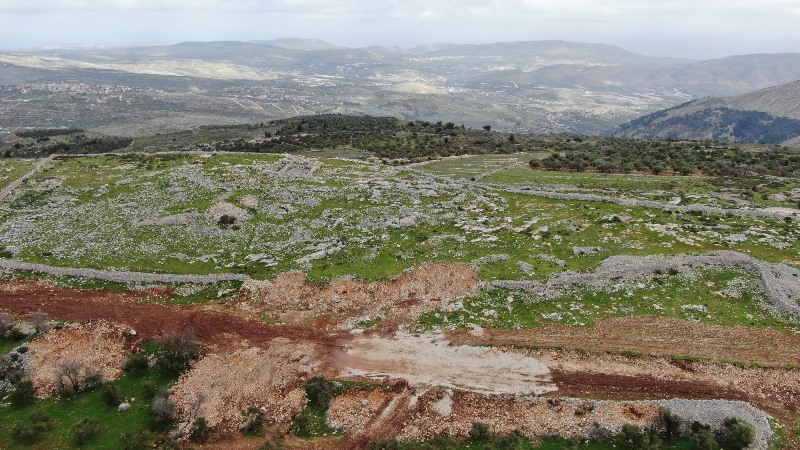 Los colonos se enfrentan a la arqueología de Cisjordania mientras el antiguo muro de 'Joshua' se derrumba