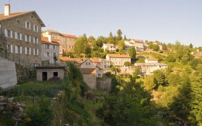 Hombre judío deja 2 millones de dólares a un pueblo de montaña francés que lo escondió de los nazis