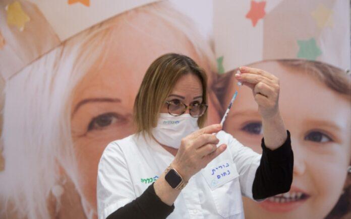 La vacuna reduce el riesgo de propagación incluso antes de la segunda inyección, indica un estudio israelí