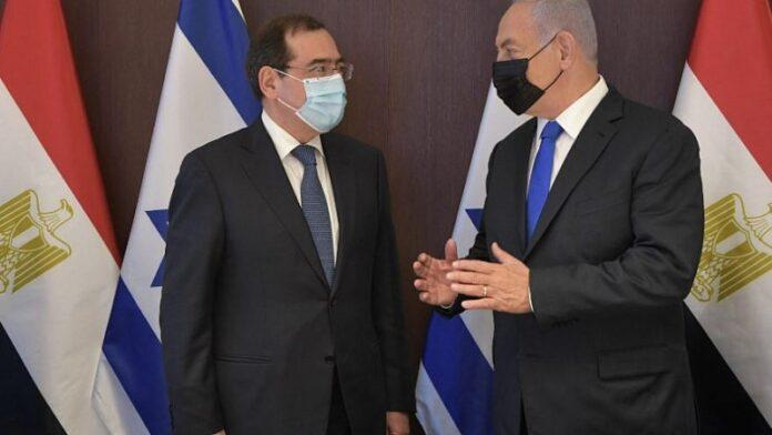 Ministro egipcio se reúne con el primer ministro israelí para discutir la energía regional