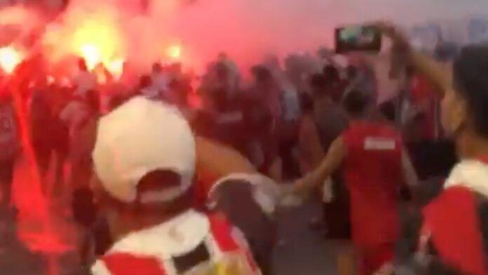 Fanáticos del fútbol argentino cantan 'matar a los judíos para hacer jabón'