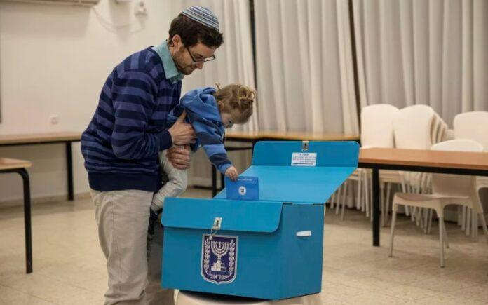 Israel vota por cuarta vez en dos años en un intento de salir del estancamiento político
