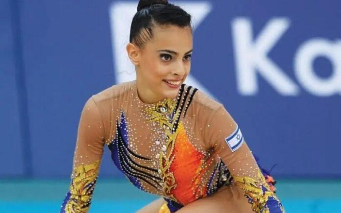La gimnasta israelí Linoy Ashram gana dos medallas de oro en el Campeonato Mundial