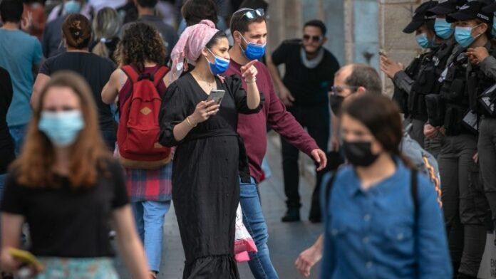 Los israelíes pronto ya no necesitarán usar máscaras al aire libre
