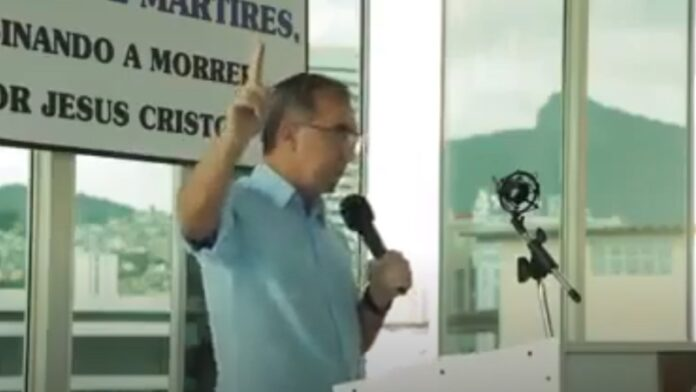 Policía brasileña allana iglesia cuyo pastor oró por otro Holocausto