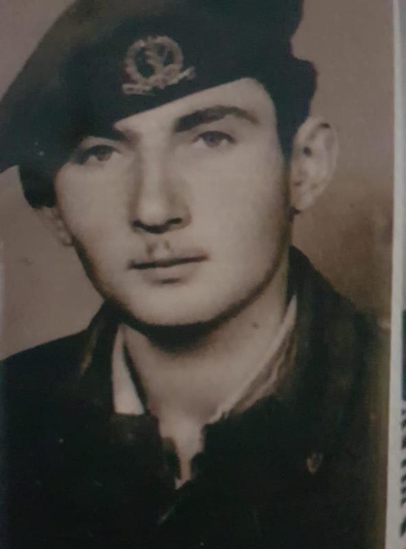 Del Holocausto a las FDI: abuelo y nieto comparten una historia de supervivencia y continuidad