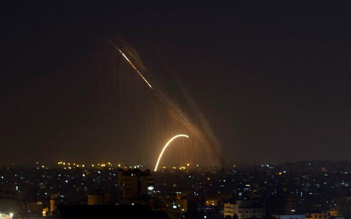 Después de un día de tranquilidad, los terroristas de Gaza disparan 2 cohetes hacia Israel