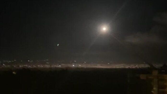 Misil antiaéreo sirio cae en el desierto de Negev de Israel, no se reportan heridos