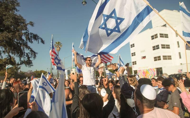 2.000 activistas se reúnen en Beverly Hills para apoyar a Israel