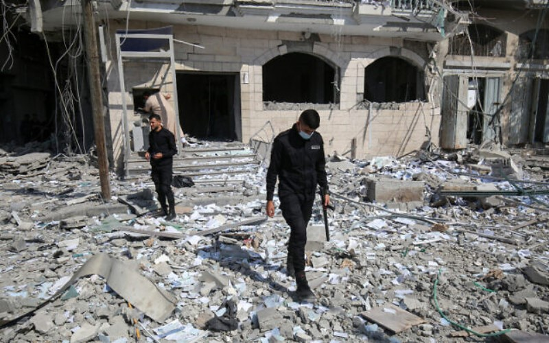 Las fuerzas aéreas y terrestres israelíes bombardean el norte de Gaza en el ataque más fuerte hasta el momento