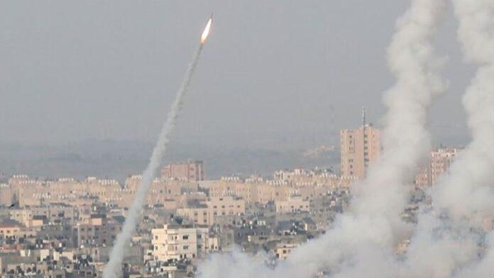 Israel ataca objetivos de Hamas en respuesta al bombardeo con cohetes desde Gaza