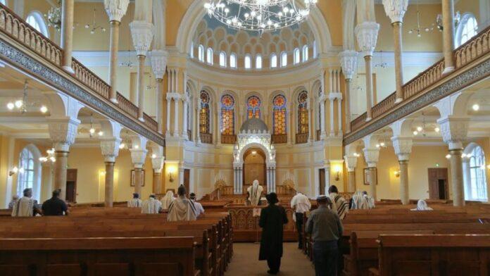 ¿Qué necesito para volver a la sinagoga?