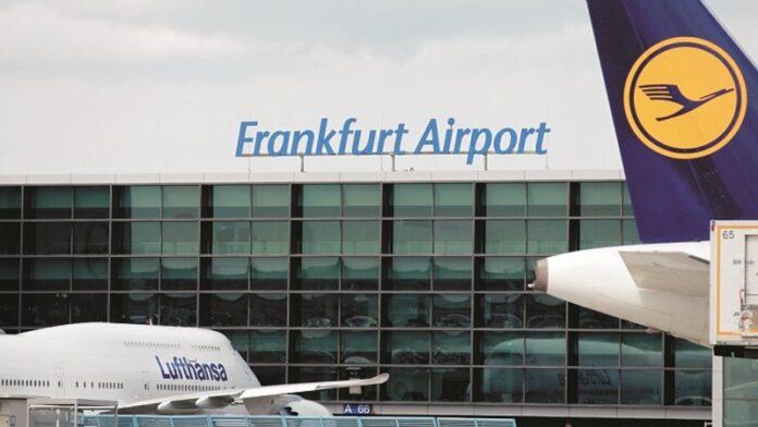 Esvástica descubierta en el arca de la sinagoga del aeropuerto de Frankfurt