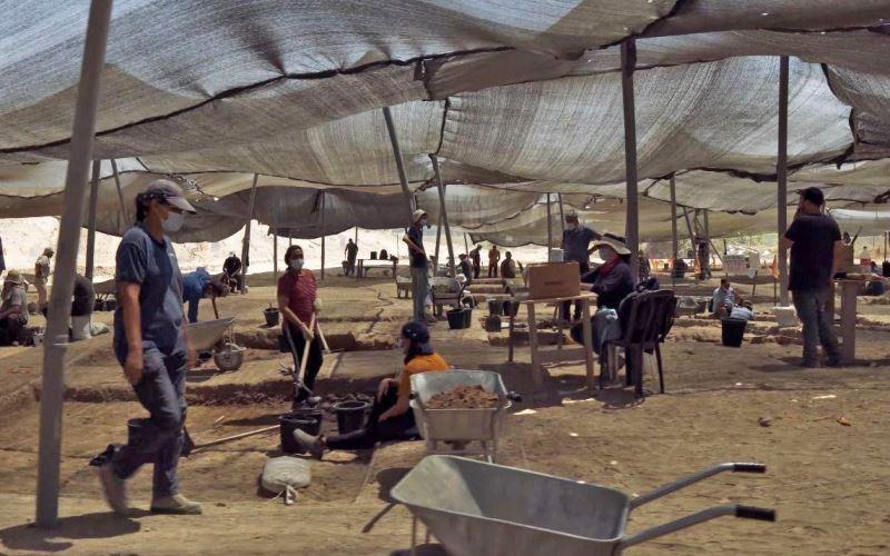 Huevo de gallina intacto de 1.000 años desenterrado en el centro de Israel