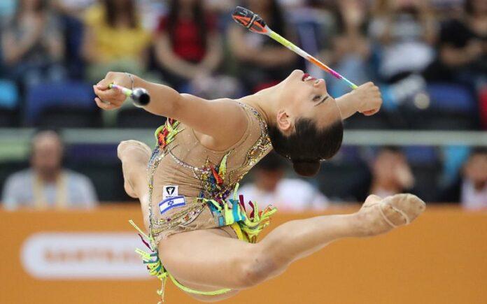 Linoy Ashram gana medalla de oro y 2 de plata en el Campeonato de Gimnasia en Europa