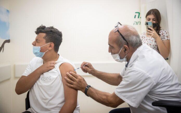 Frenar la fuerza de Delta y las vacunas mantienen tranquilos a los hospitales de Israel y evitan el encierro