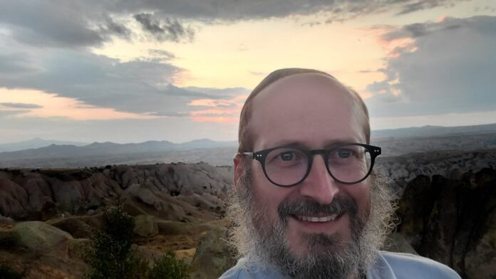 Este rabino está tuiteando su inusual viaje de 3 semanas por la herencia judía de Turquía