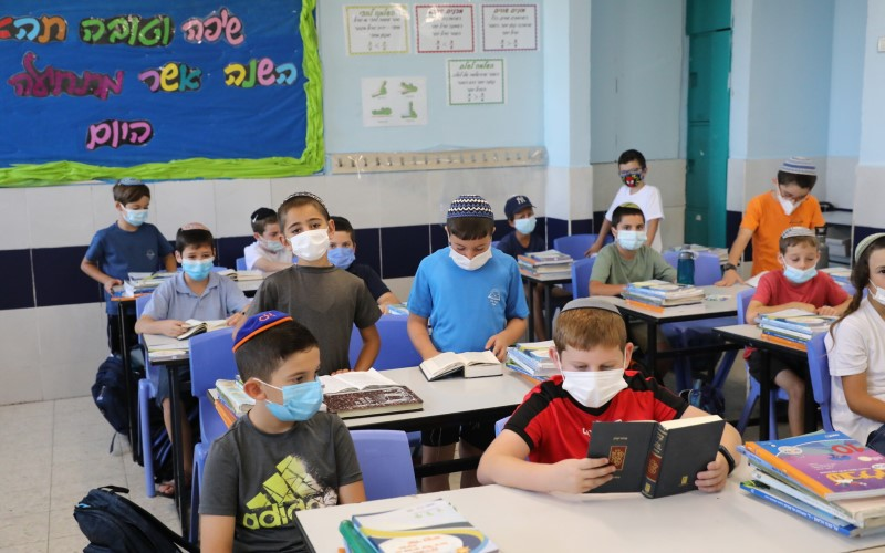 Mientras los niños regresan a clase, Bennett dice que no hay garantías de que las escuelas permanecerán abiertas