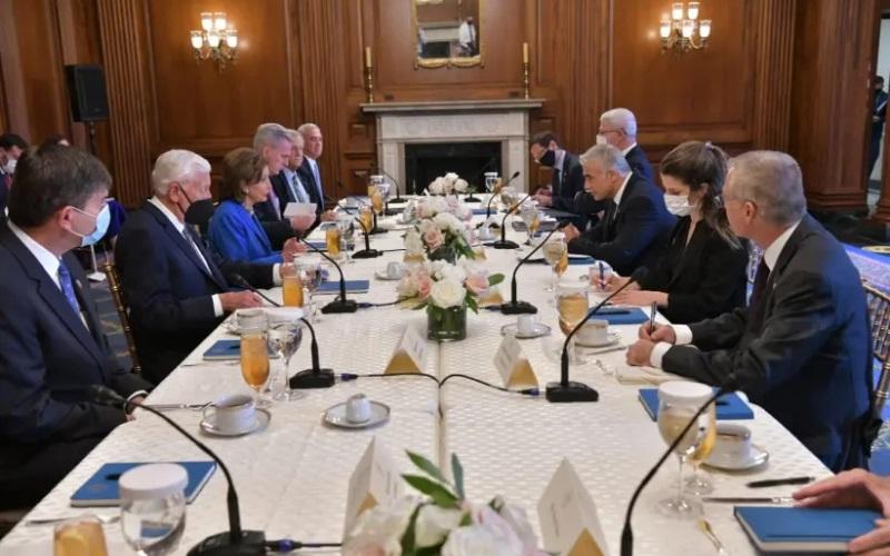 Pelosi reafirma su apoyo a Israel en la reunión con Lapid