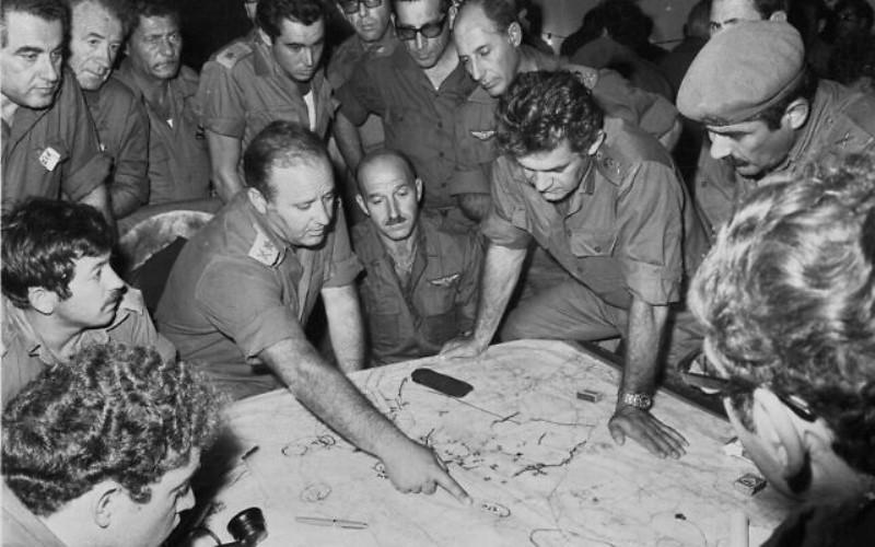 """El mundo """"nos arrojará a los perros"""": los documentos de la guerra de Yom Kipur revelan la desesperación de Golda"""